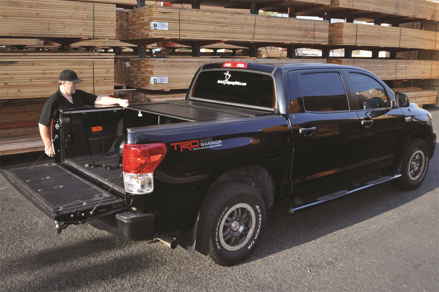 bak rollbak g2 tonneau cover for 2007 2016 toyota tundra. Black Bedroom Furniture Sets. Home Design Ideas