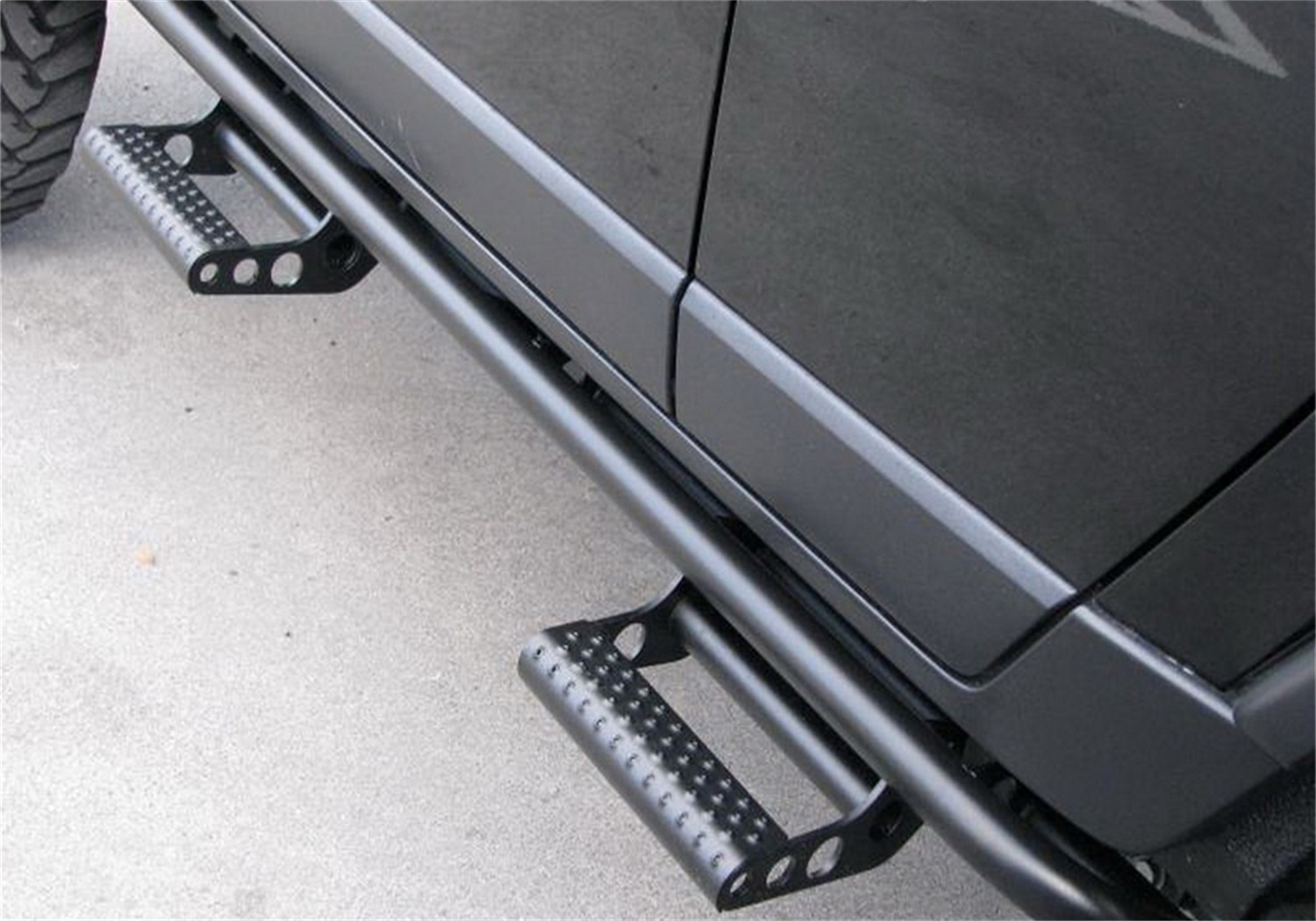RKR Cab Length Step System, 1.75 in. Rails, 2 Step Mounts/2 Steps Per Side, Textured Black